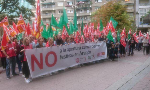 Marcha de protesta en Zaragoza por las aperturas comerciales en domingos y festivos