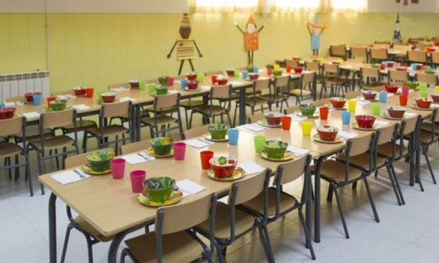 Los salarios de las monitoras de comedor en los colegios públicos de Aragón no han subido un 30%